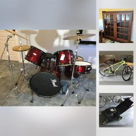 MaxSold Auction: This online auction features items such as a Pearl drum set, a ping-pong table, Royal Doulton and Wedgewood works, Xbox 360 and games and much more!