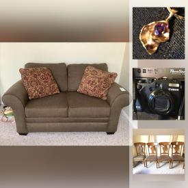 MaxSold Auction: This online auction features records, vintage clothing, home accents, Christmas decorations, vintage toys, 14k Gold jewelry and much more.