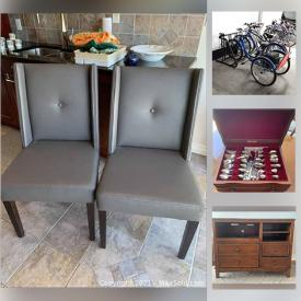 MaxSold Auction: This online auction features stylish furniture, home appliances, artwork, kitchenware, decor and much more.