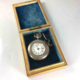 MaxSold Auction: This online auction features artworks and jewelries such as sanyu art prints, antique sterling pocket watch, sterling silvers, vintage bracelet, jade jewelry set, 14k gold cultured pearl necklace, victorian brooch and much more!