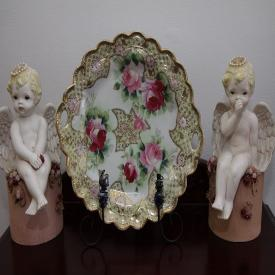 MaxSold Auction: This successful Kingston online auction from MaxSold features beautiful decorations including a porcelain parrot lamp, gentleman's chairs, decorative animal figurines, an oil painting of a soldier on horseback, assorted floor lamps, original art pieces, and assorted china. Further items of interest in this estate sale include a vintage folding rocking chair, decorative porcelain figurines, wood carved statues, and a fireplace screen!
