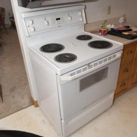 MaxSold Auction: This auction features small kitchen appliances, wood kitchen table and chairs, crystal and glassware, Highpoint stove, deep fryer, oak sideboard and hutch, Inglis washing machine, Hot Point dryer, metal shelving, Hoover shop vac, bicycles, vintage homemade pipe fitter's bench and brand new luggage!